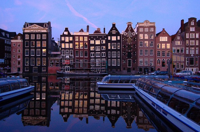 All business listings submitted with a list of hotels and Resorts, city guides, attractions, restaurants, shopping, tour, SPA and all you need to know.  Amsterdam - City Guide amsterdam1