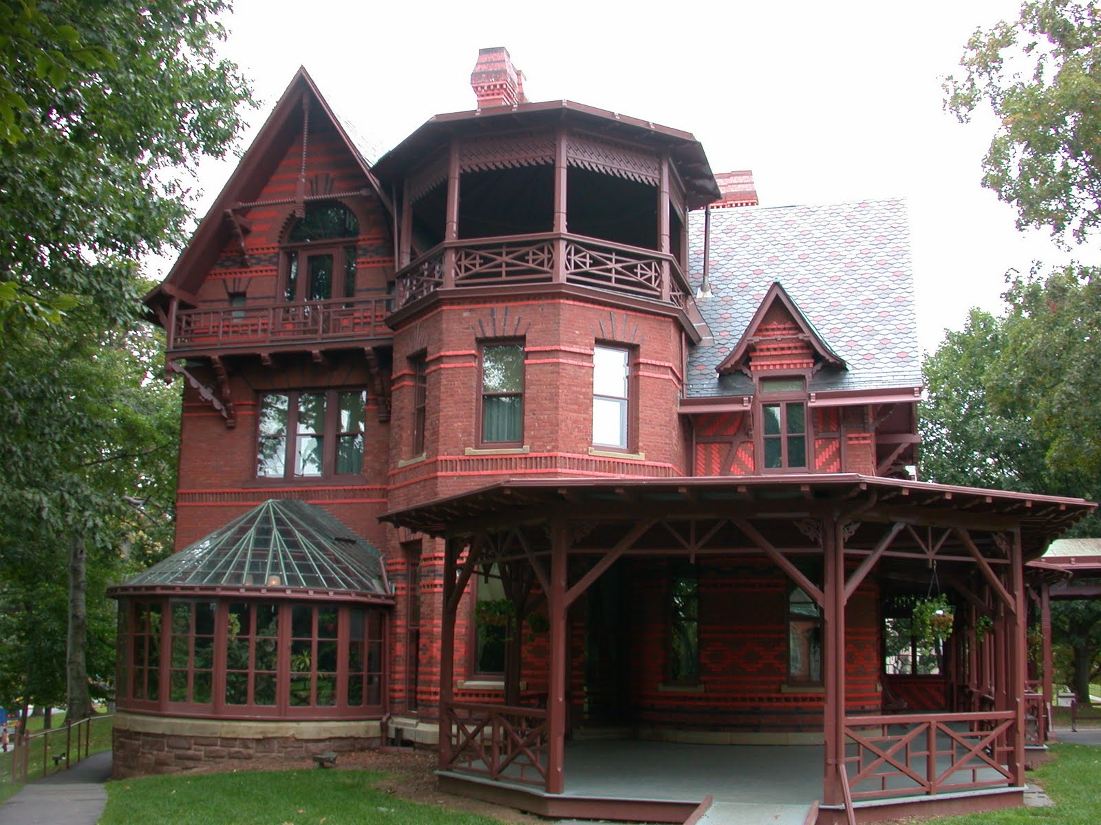 "All business listings submitted with a list of hotels and Resorts, city guides, attractions, restaurants, shopping, tour, SPA and all you need to know.""  Hartford City Guide mark twain house"